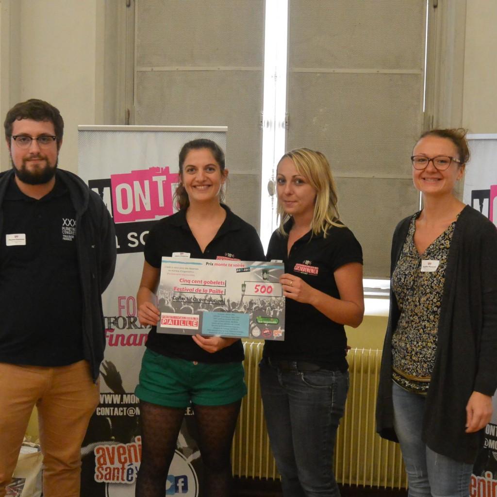 De gauche à droite : Thomas Karman du BNEI, les lauréates représentantes de l'association Collectif Organisation et Sophie Parasote de l'ANPAA