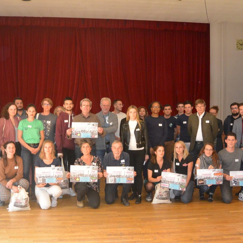 Les participants à la remise des prix 2018-2019, lauréats et jury mélangés